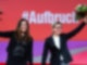 Janine Wissler (l) und Susanne Hennig-Wellsow, die neuen Bundesvorsitzenden der Partei Die Linke nach ihrer Wahl beim Online-Bundesparteitag der Linken. Foto: Bernd von Jutrczenka/dpa