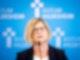 Antje Niewisch-Lennartz, frühere niedersächsische Justizministerin und Leiterin der Untersuchungskommission, informiert in Hildesheim über die Untersuchungsergebnisse. Foto: Moritz Frankenberg/dpa