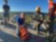 Eine zierliche Höhlenretterin des New Jersey Initial Response Team konnte die Hündin Liza unverletzt aus der Tiefe einer Felsspalte bergen. Foto: -/NY State Parks/dpa