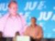 Tilman Kuban (r), Bundesvorsitzender der Jungen Union, spricht bei der NRW-Landesdelegiertentagung. Die Nachwuchsorganisation von CDU und CSU will das Wahlergebnis beim Deutschlandtag in Münster aufarbeiten. Foto: Henning Kaiser/dpa